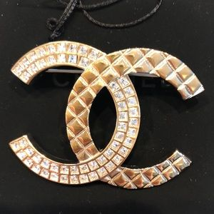 Auth Chanel Large Cuba brooch in crystal/gold tone